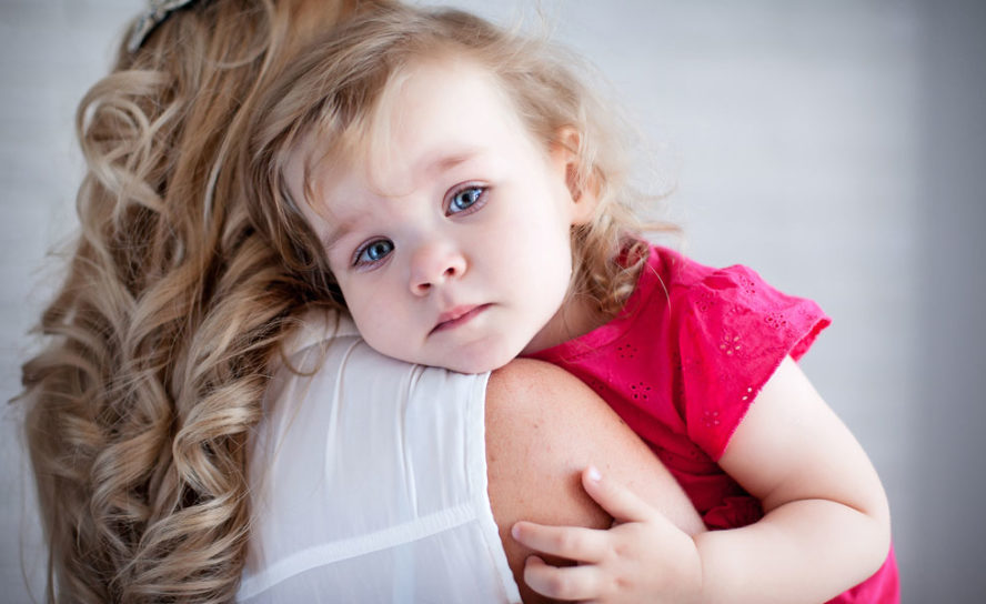 Parents can help soothe burns treatment stress